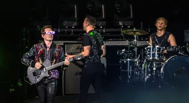 Muse, show colossale allo stadio Olimpico di Roma con Simulation theory World Tour