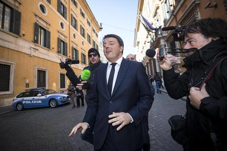 images/stories/ilcentrotirreno/1-news/politica/2018/renzi-20418.jpg